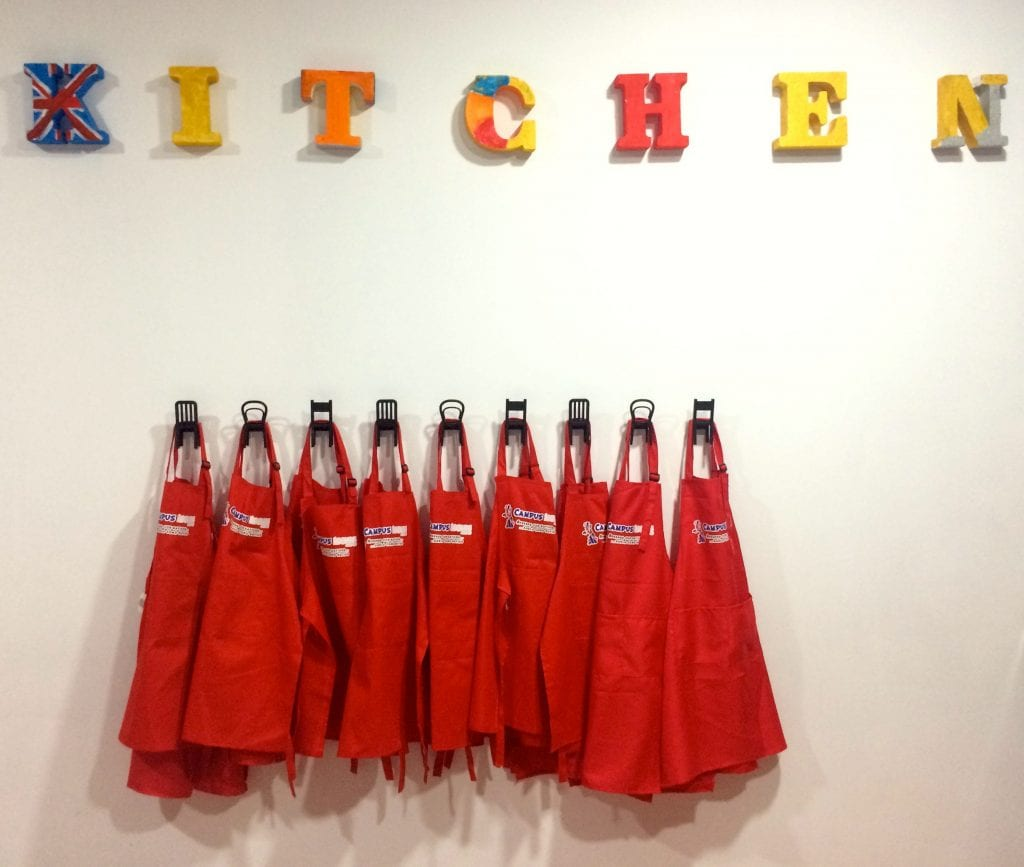 New hangers for aprons